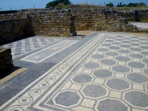 Empúries: Mosaic floor of a Roman villa