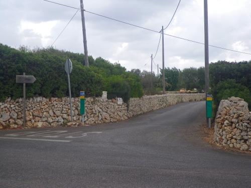 Cycle ways along stone walls