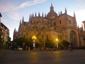 Segovia cathedral square