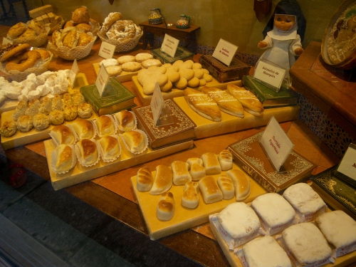 Almond biscuits in a Toledo bakery