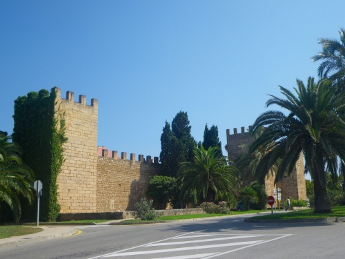 Alcúdia with surviving 15th C walls